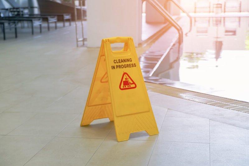 האם כדאי להשקיע בטיפוח חדר המדרגות