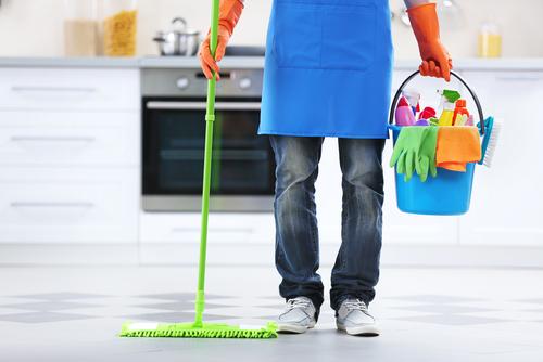 חברת הניקיון מנקה בכל המשרד שלכם!